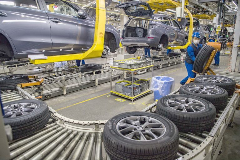 car-building-production-line